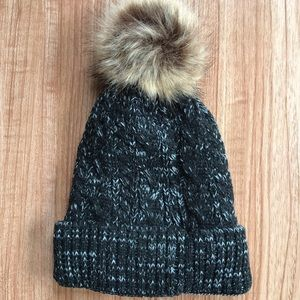 Accessories - Black Pom Beanie